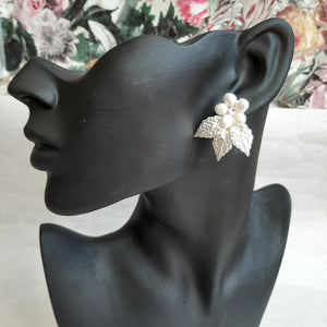 Crystal clear and white cultured freshwater pearls and silver leaves headband and earrings SET