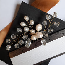 Load image into Gallery viewer, Crystal clear and freshwater pearls medium size wedding hair pin