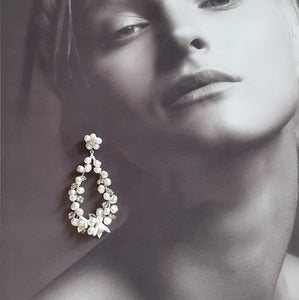 White freshwater pearls and flowers oval hoop stud drop earrings
