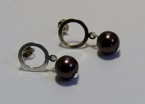 Pearl drop and silver-tone smooth round hoop stud earrings