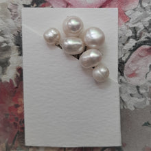 Load image into Gallery viewer, Freshwater pearls set of 6 hair pins - MEDIUM