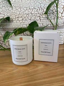 """Deluxe Issue"" 100% Natural Soy Candles Gloss White Small"