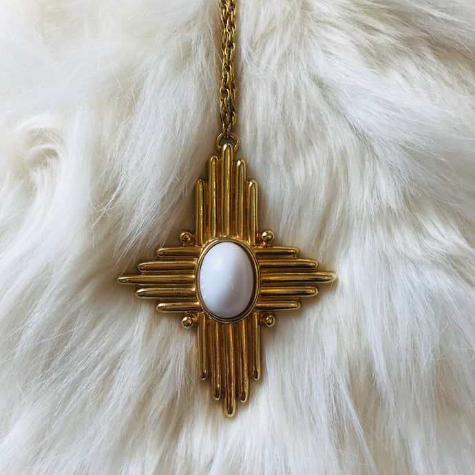 RETRO INSPO STATEMENT NECKLACE