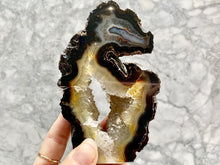 Load image into Gallery viewer, AGATE PIECE -BRAZIL