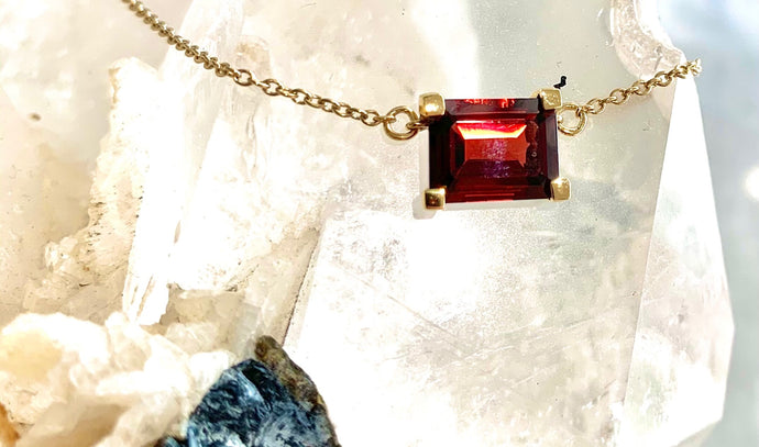 RED GARNET ENERGY STONE COLLARBONE NECKLACE