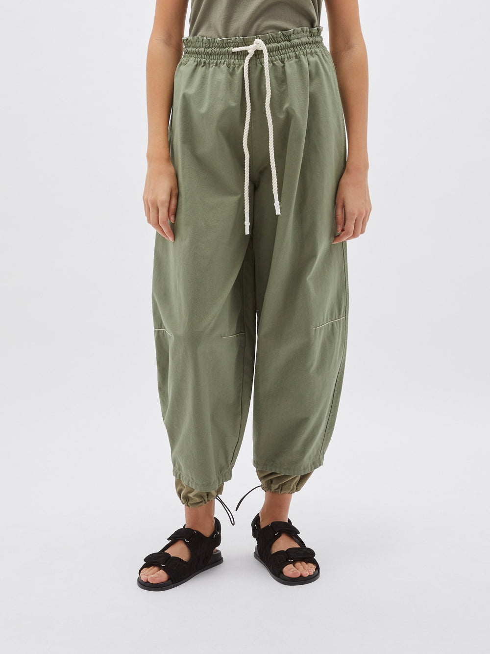 pull on parachute detail pant