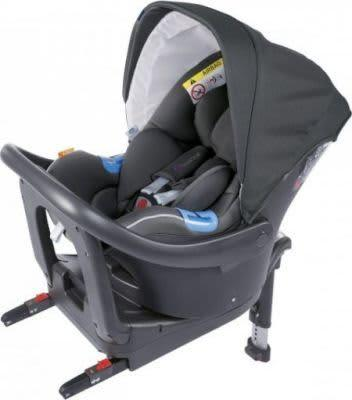Chicco Oasys I Size Car Seat in Black with Bebe Care and Isofix base