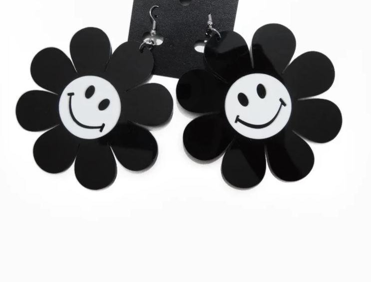 Black and White Sunflower Earrings SUZYWAN DELUXE