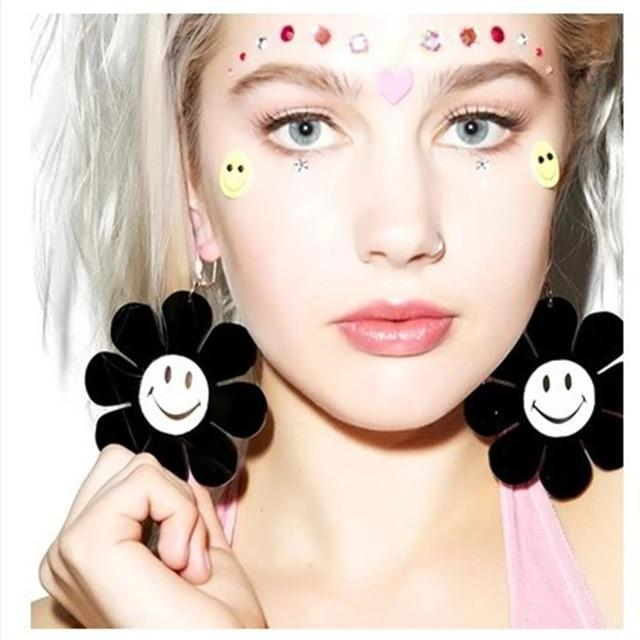 Black and White Sunflower Earrings SUZYWAN DELUXE Default Title