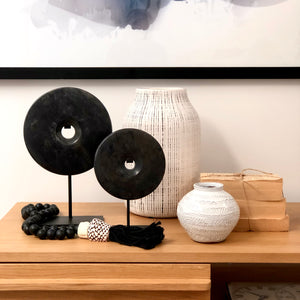 Marbled Granite Disc on Stand (Black)