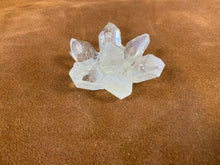Load image into Gallery viewer, Quartz lotus flower