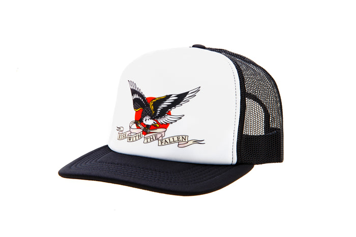 EAGLE TRUCKER BLACK CAP