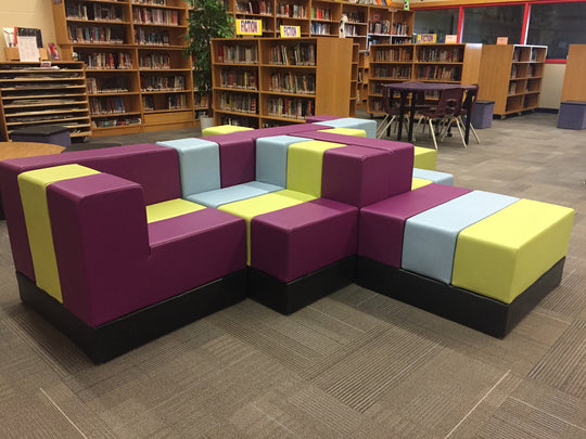 Cellular Modular Furniture by Oi Installed in Henry G. Izatt Middle School Library & Learning Commons