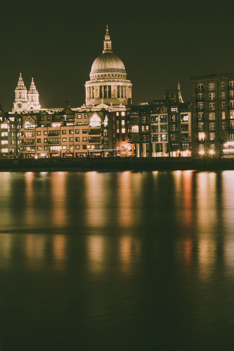 London - St Pauls - Colour Reflection