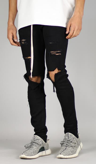 BLACK HEAVY DISTRESSED JEANS