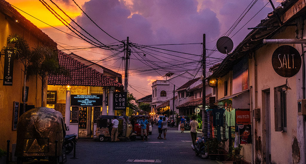 Sunset on a street lane Gaelle Sri Lanka mischa blog
