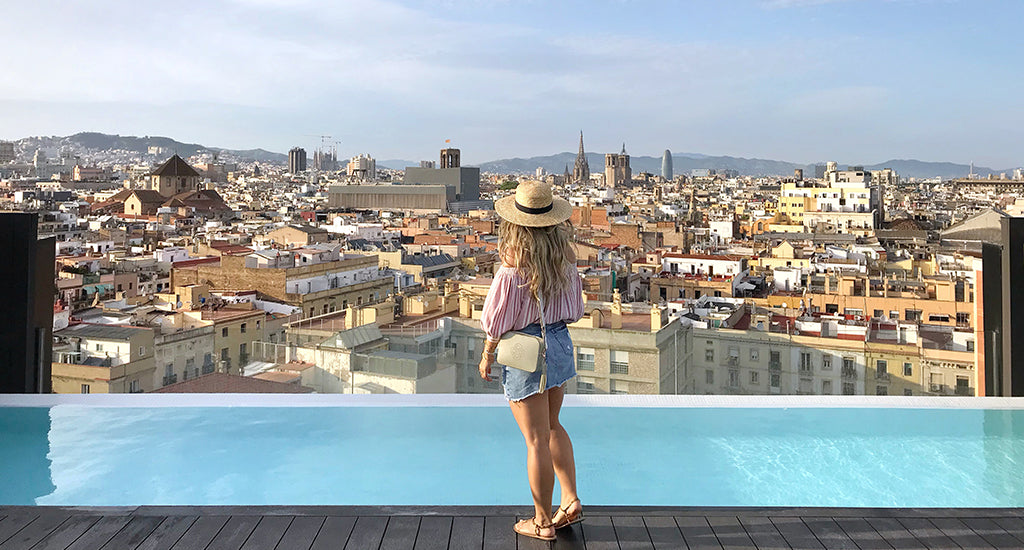 Travel Guide Barcelona; Mischa Blog Crossbody Bag