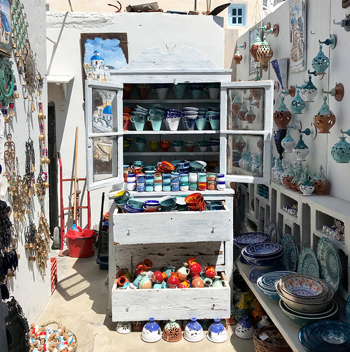 travel guide Greece Oia Santorini ceramics; MISCHA blog