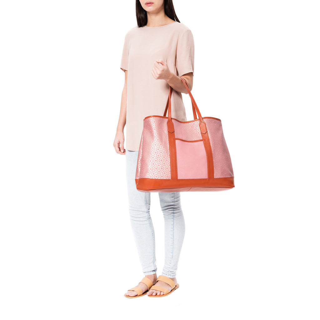 Mischa Bucket Tote - Rose (model shot)