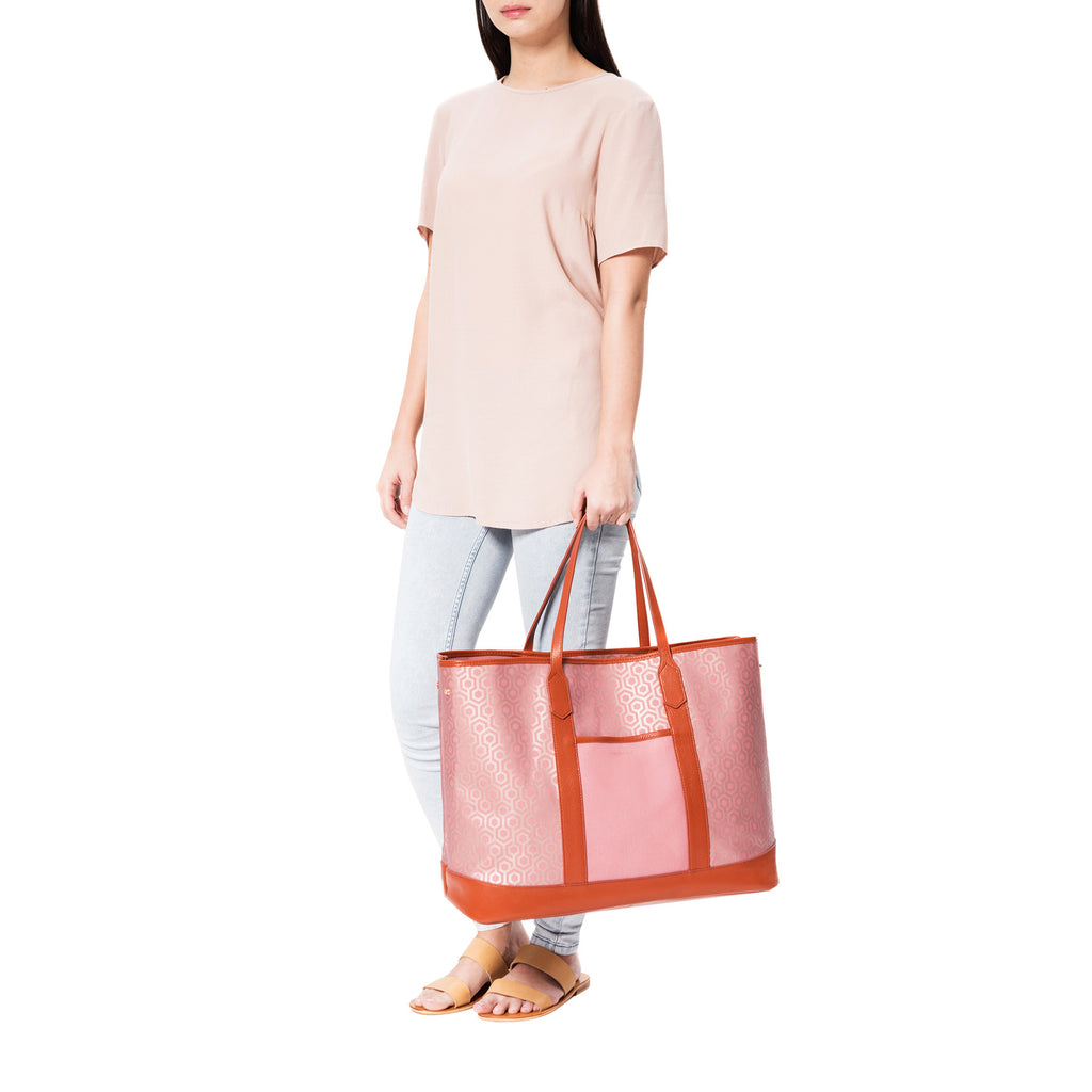 Mischa Bucket Tote - Rose (model shot2)