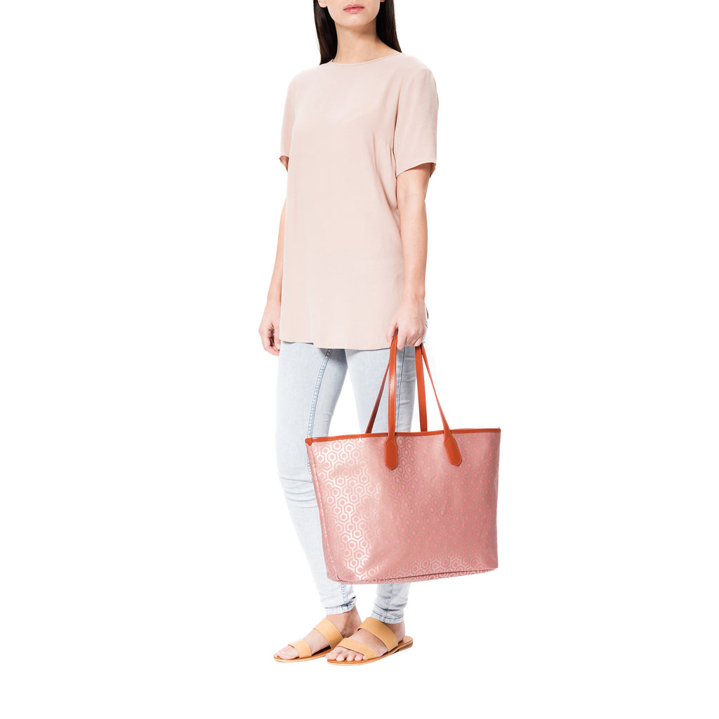 MISCHA Jet Set Tote - Rose (model shot)