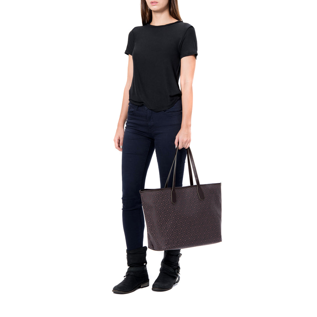 MISCHA Jet Set Tote - Rosewood (model shot)