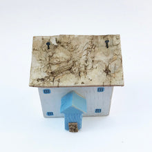 Load image into Gallery viewer, Miniature Fisherman's Cottage