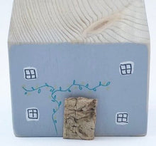 Load image into Gallery viewer, Hand Made Miniature Cottage