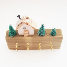 Load image into Gallery viewer, Wood House Winter Scene Key Holder for Wall