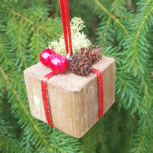 Load image into Gallery viewer, Miniature Gift Ornaments for Christmas Tree