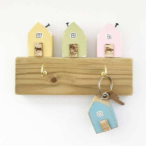 Key Holder with Little Wooden Houses and 2 Keyrings - Made in colours of your choice