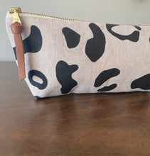 Load image into Gallery viewer, Leopard Pencil Pouch