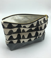 "Load image into Gallery viewer, Wave 10"" Zipper Canvas Bottom Pouch"
