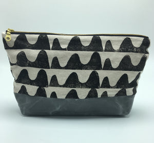 "Wave 10"" Zipper Canvas Bottom Pouch"