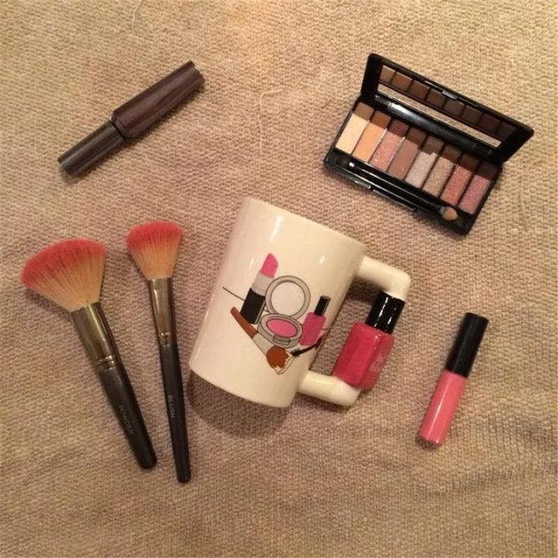 Elegant Fashion & Makeup Lovers Mug