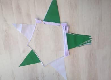 Green/White Triangle Bunting - 20 metres