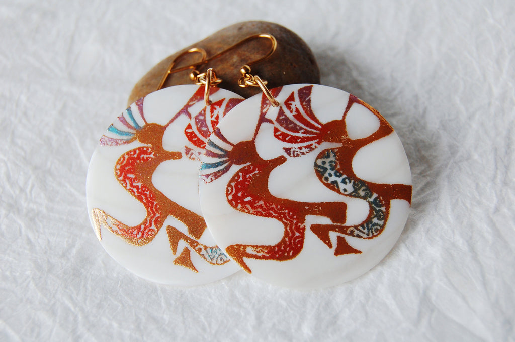 Handpainted Makabibi White Shell Summer Inspired Earrings, SS051703 Kokopelli Dance