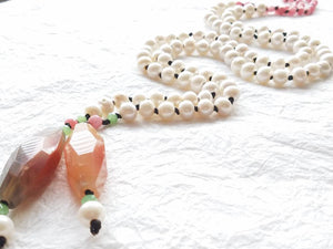 Lariat Style White Freshwater Pearl Pink Faceted Druzy Agate Barrel Leather Hand Knotted Necklace, Pink Tulips Necklace