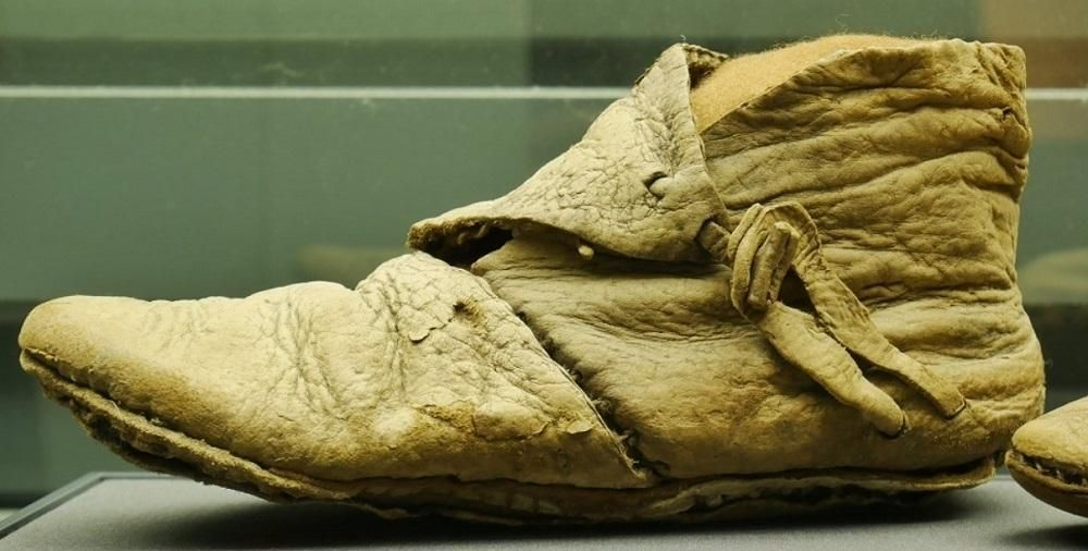 leather non-biodegradable ancient shoe