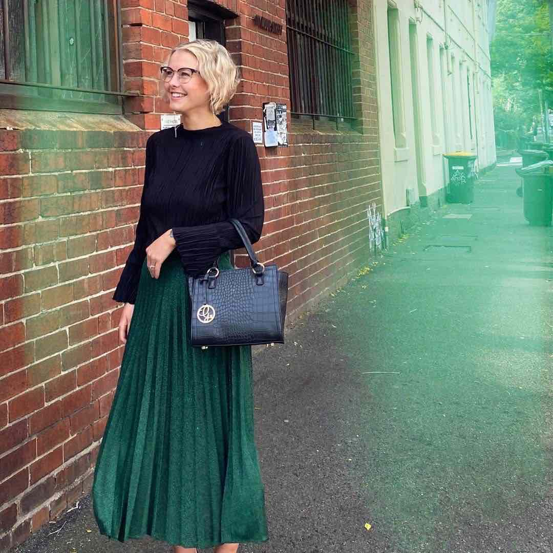 georgie purcell wearing kinds of grace bag