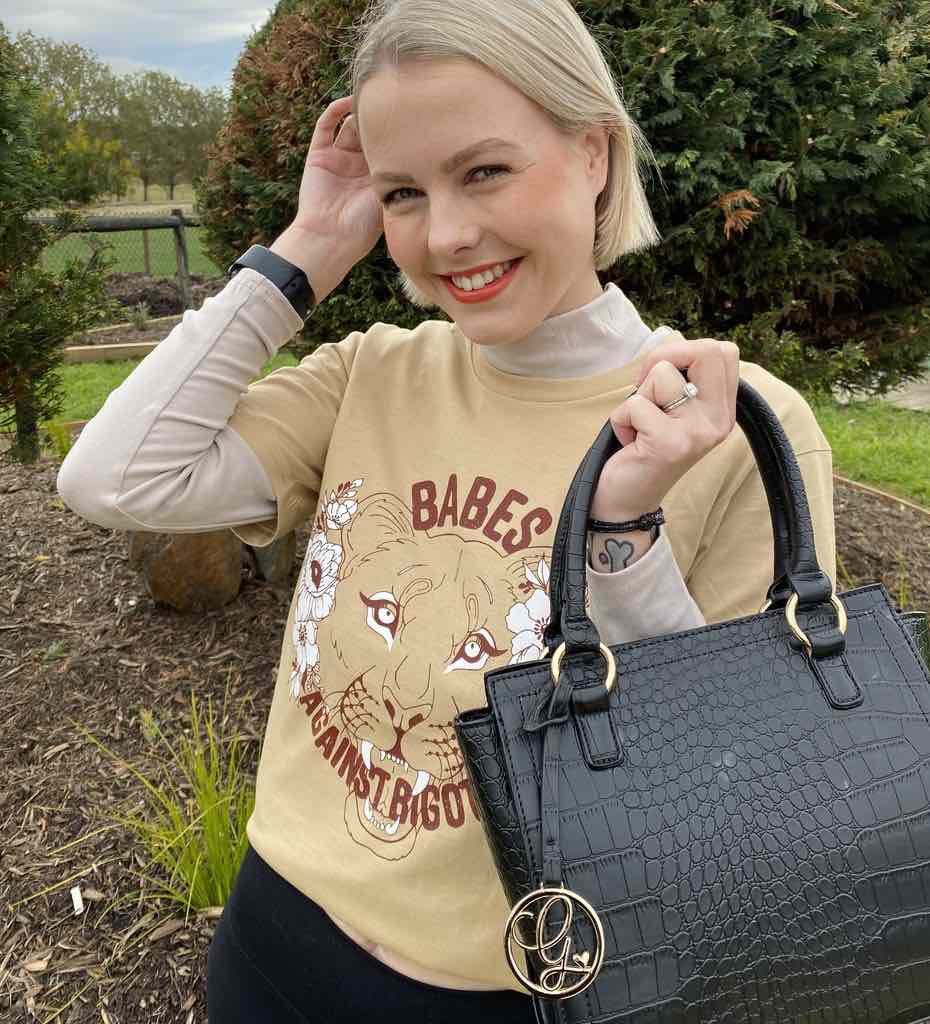georgie purcell with bravia onyx bag and cute t shirt