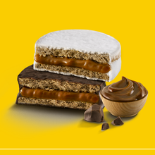 Load image into Gallery viewer, HAVANNA 6 Mixed Alfajores filled with Dulce de Leche  (3 Dark Chocolate, 3 White Merengue)