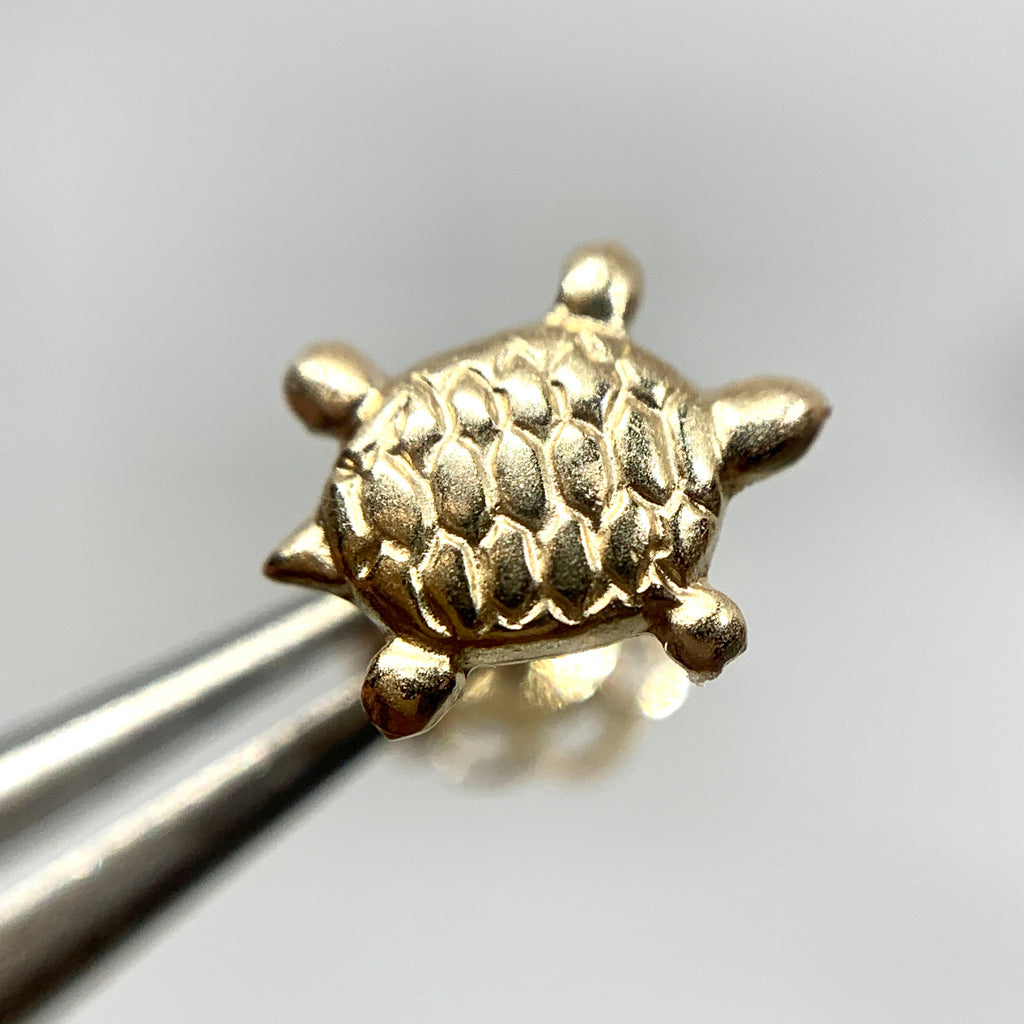 14K Yellow Gold 7mm Turtle Stud Earrings