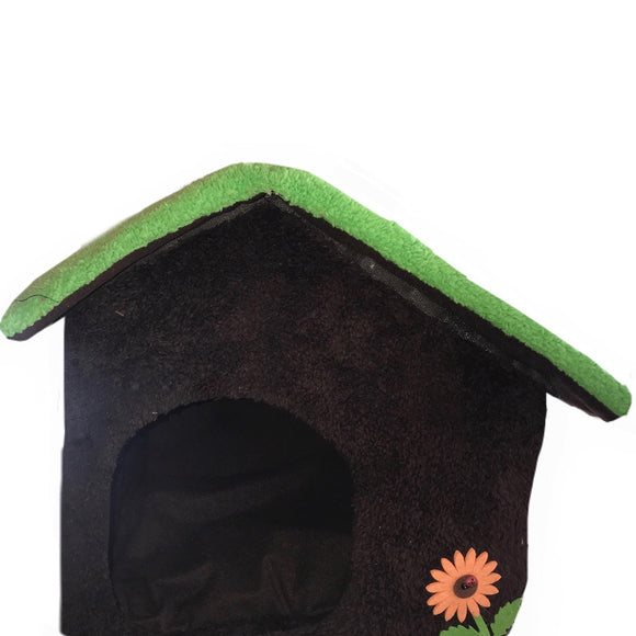 Soft-Sided Pet House in Brown / Green