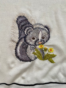 embroidered charming 70s flower skunk vneck