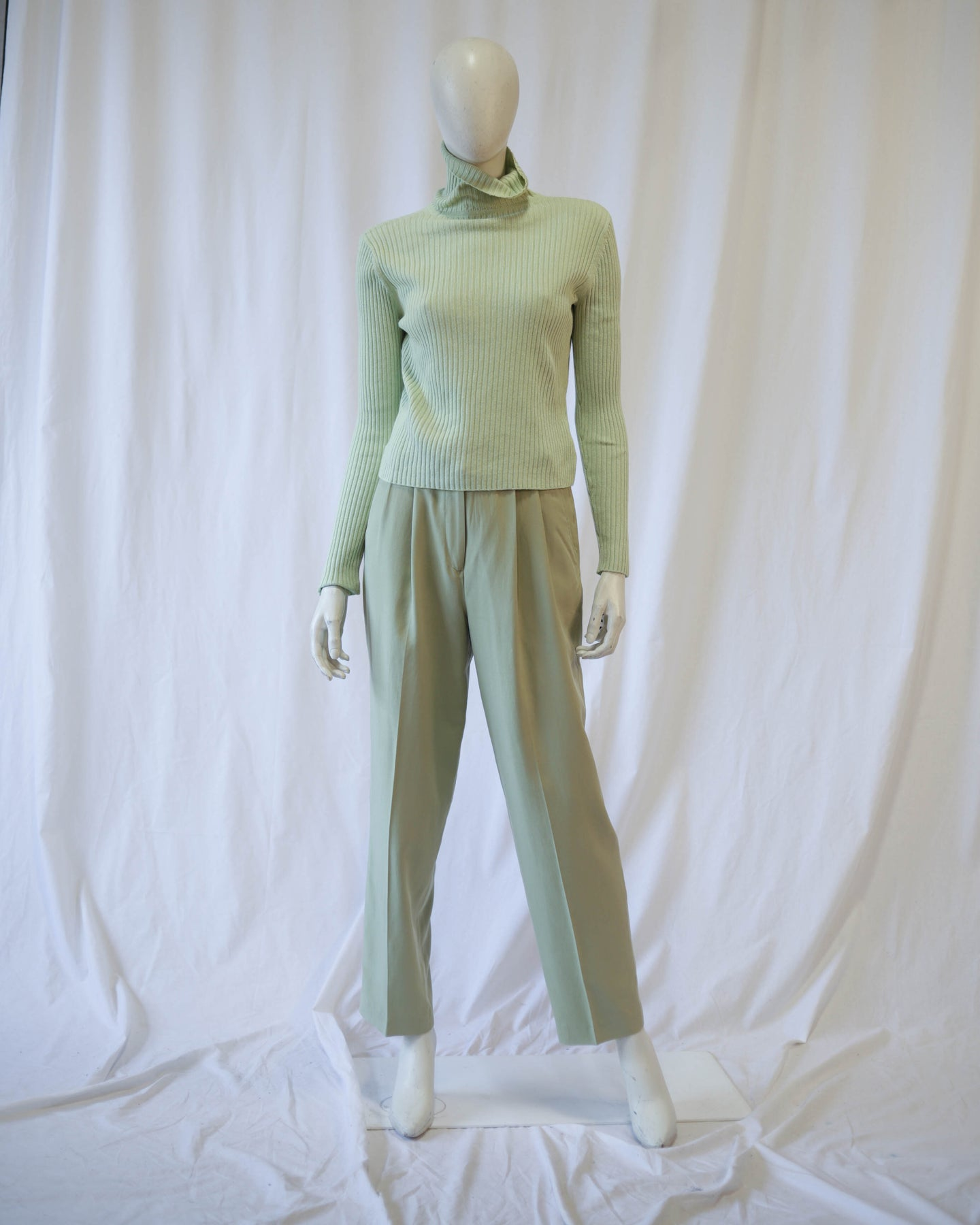 Don't buy —- Sage Green Pleated Silk Trouser