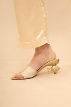 Load image into Gallery viewer, Ramón Tenza gold fish heel mules