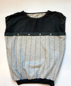 Sleeveless 80s top, heather grey fleece and black`