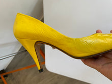 Load image into Gallery viewer, GUCCI yellow leather stilettos