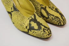 Load image into Gallery viewer, Mondi yellow snakeskin slingbacks